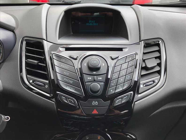FORD FIESTA Titanium Hatch 16V 1.6 2015