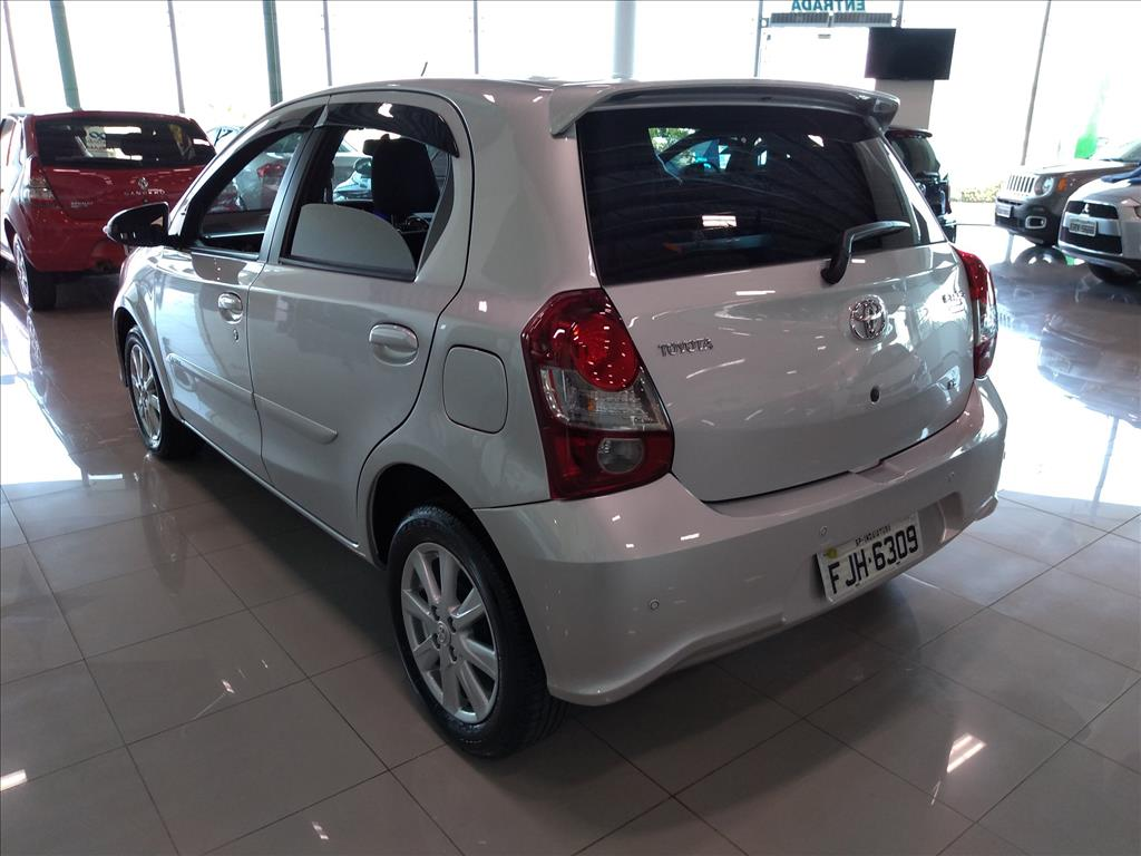 TOYOTA ETIOS X PLUS 16V FLEX 4P AUTOMÁTICO 1.5 2019