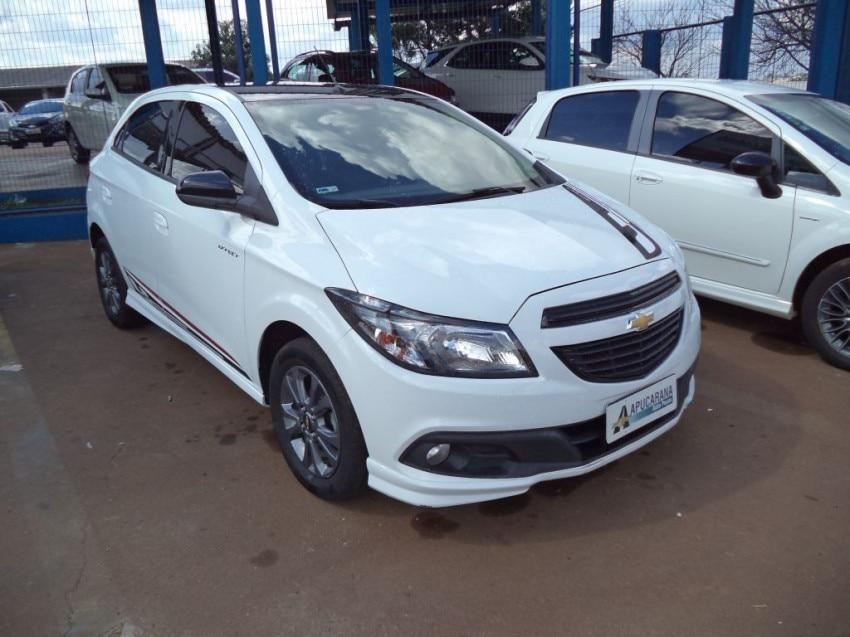 Chevrolet Onix Effect 1400 2016
